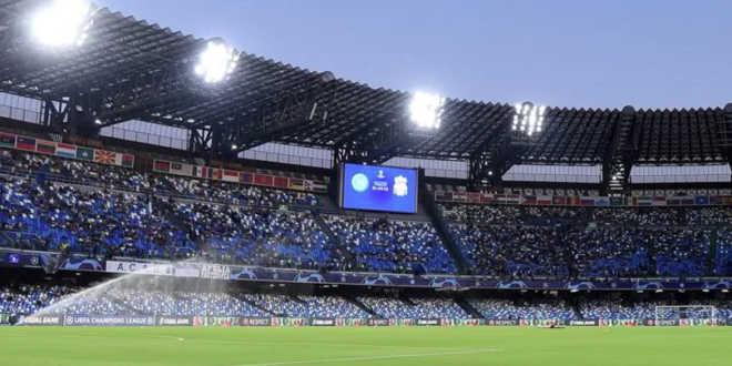 L' erba dello stadio San Paolo è gialla