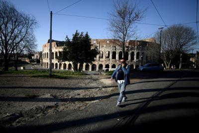 Fase 2, nel Lazio nuova ordinanza: con 37,5 non si entra