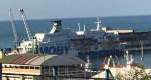 Ocean Viking, entra in porto ma sbarco dopo esito tamponi