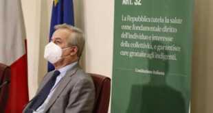 """Zona rossa, Locatelli: """"Curva contagio covid risale"""""""