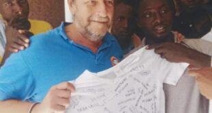 """Casarini: """"Esposto contro ammiraglio, ammette cooperazione con chi deporta i migranti"""""""